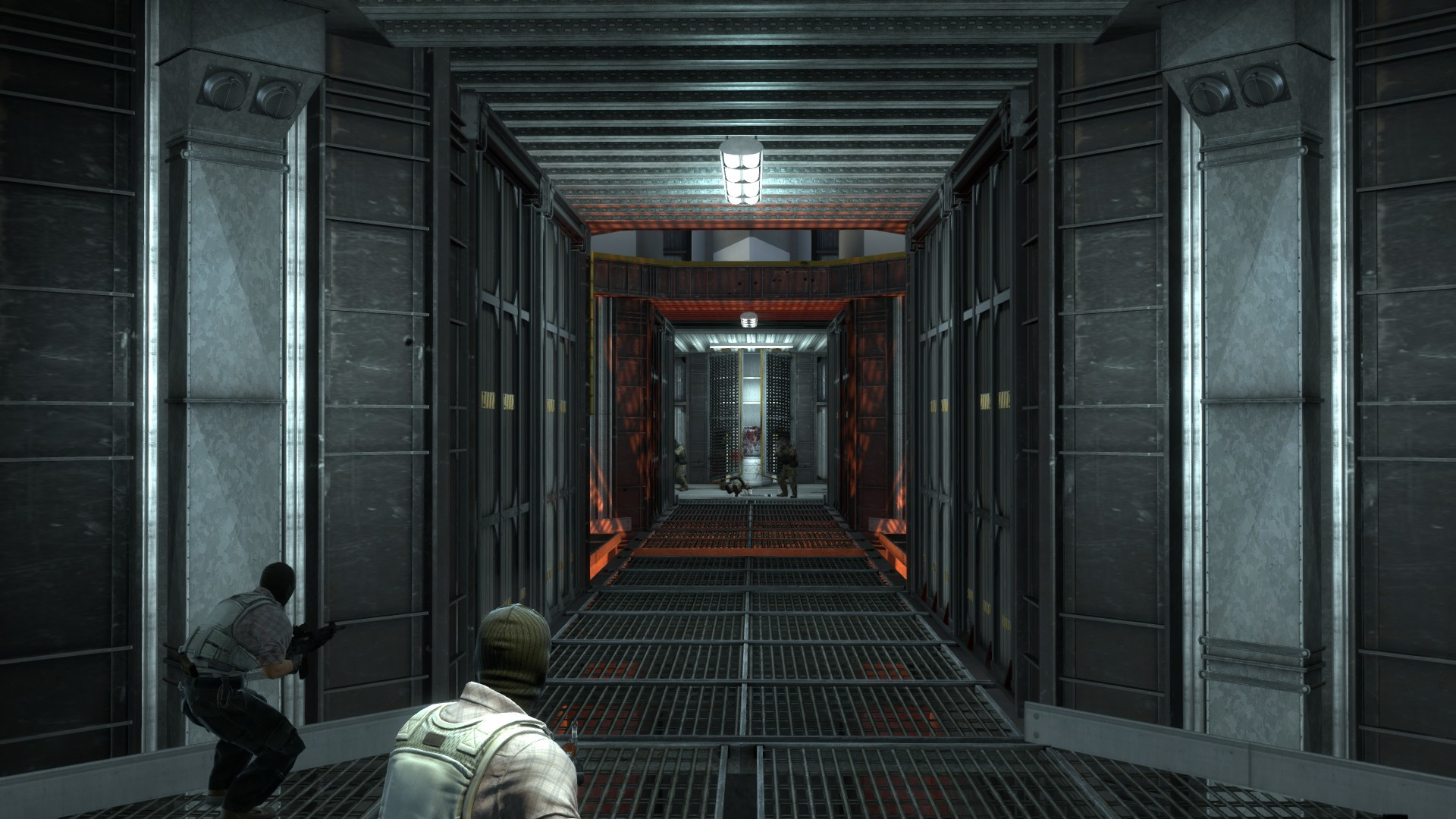 4men1corridor.jpg