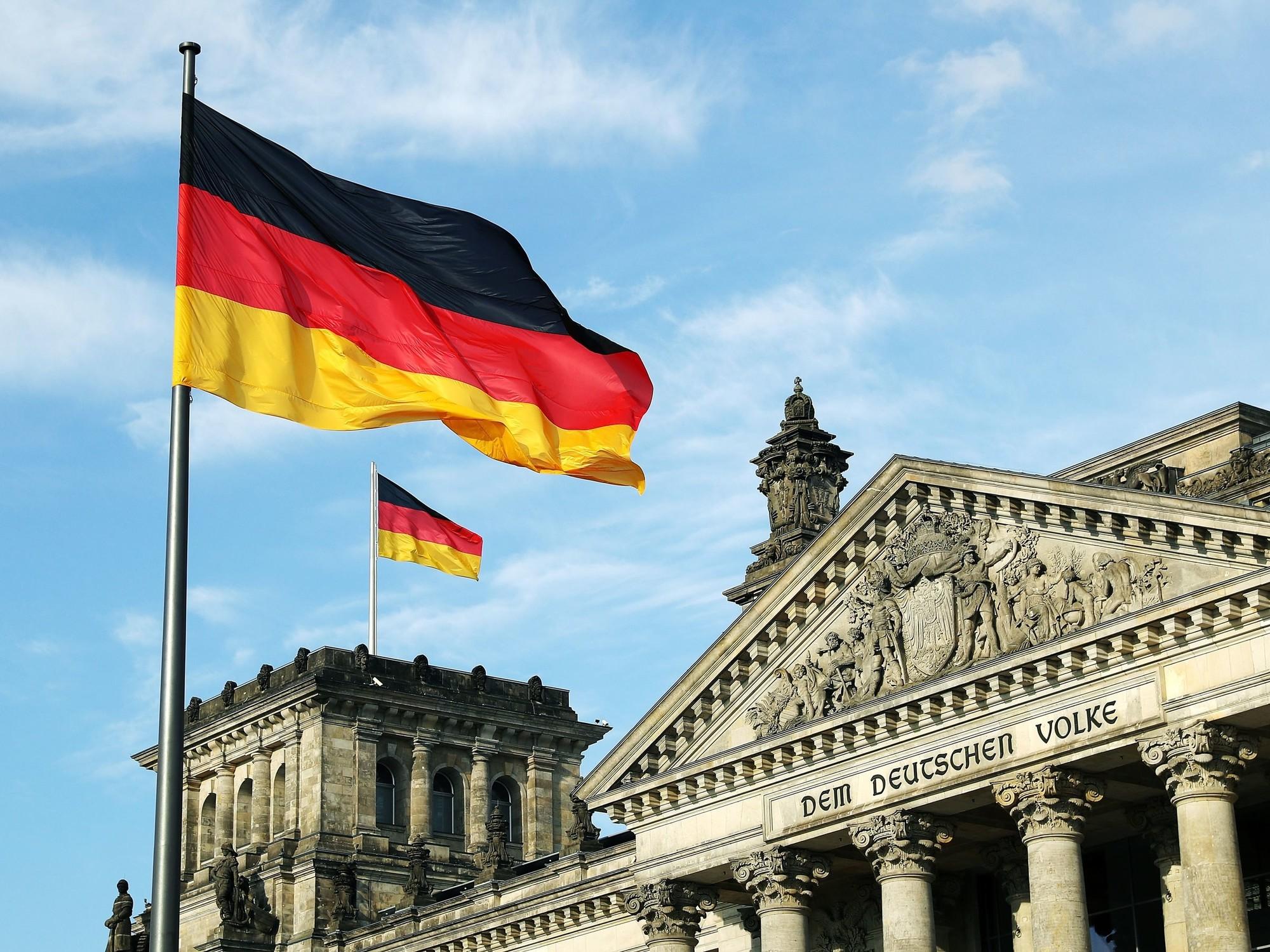 GermanFlag-TA-843187700.thumb.jpg.bed3e2337c101ac1f51608e02967ad29.jpg